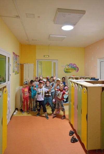 Максимум солнечного света — современный имидж зданий для детей